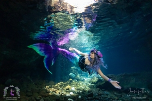 Queen's bath underwater shoot 2